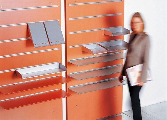 Fantoni Libreria Mta con sistema di pannelli a muro