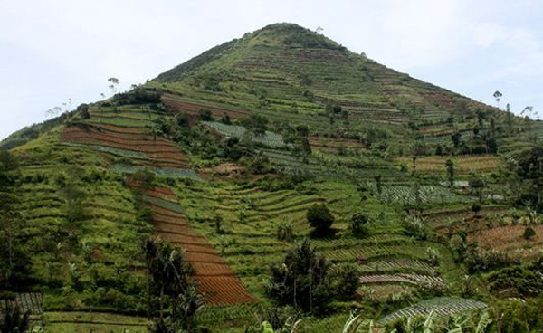 Gunung-Padang1