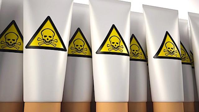 Der Tägliche Giftcocktail: Fluorid, Sonnenmilch, Nagellack