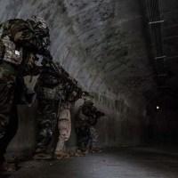 Ο Στρατός συνεχίζει να σώζει παιδιά από υπόγειες σήραγγες και εγκαταστάσεις σε όλο τον κόσμο (Βίντεο)