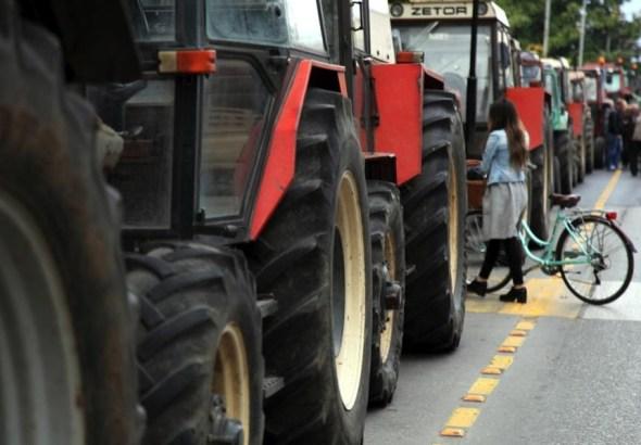 tractors-thumb-large-860x5981-860x598