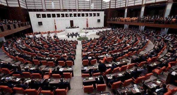 18102016134527_web_turski_parlament