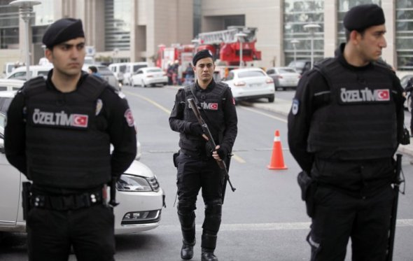 04012017121425_web_istanbul-gunmen-akp