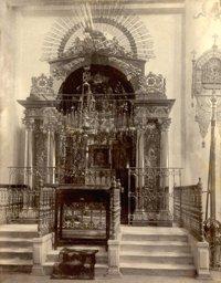 Сень иконы «Знамение» Курско-Коренной в Знаменском соборе Курска