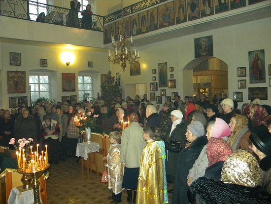 2 января 2014 - день памяти св.прав. Иоанна Кронштадтского, престольный праздник в пострадавшем храме