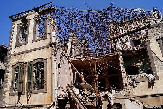 """Хомс. Један од тзв. """"двораца"""" Старог града који је пострадао у сукобима"""