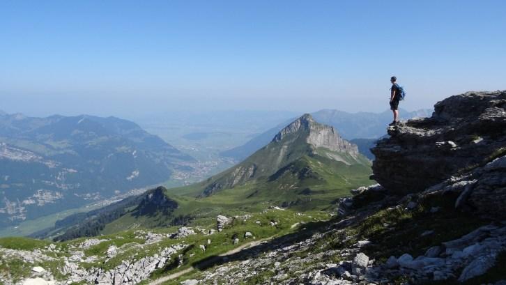 Mountain Peak Climging 1024x577 - Die 7 Grundsätze der Achtsamkeit - #2 Geduld