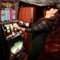 Winning Casino Woman Glücksspielsucht - Glücksspielsucht – Umgang mit Geld