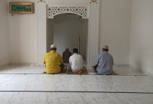 What Are the Permissible and Prohibited Movements in Prayer?