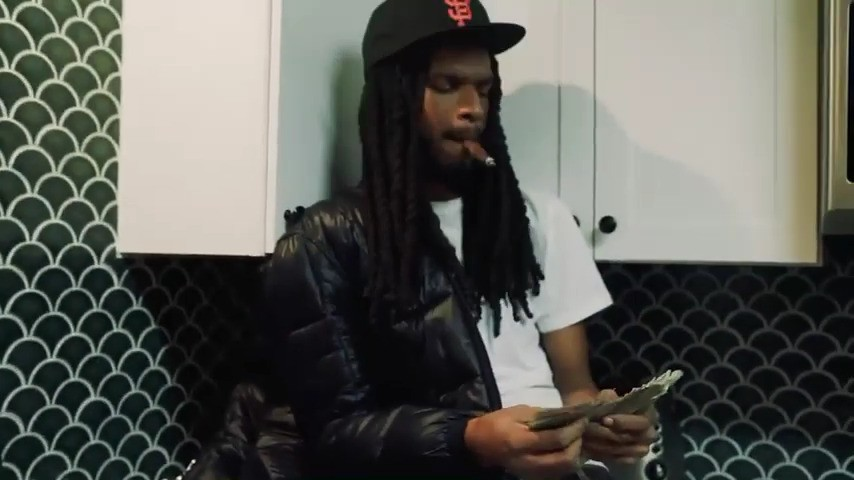 "D Guapo Does A 10k Money Dance In ""Options"" Freestyle"