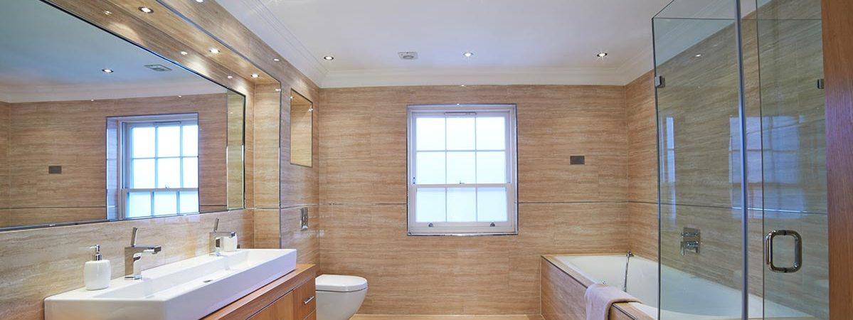 Wood grain bathroom