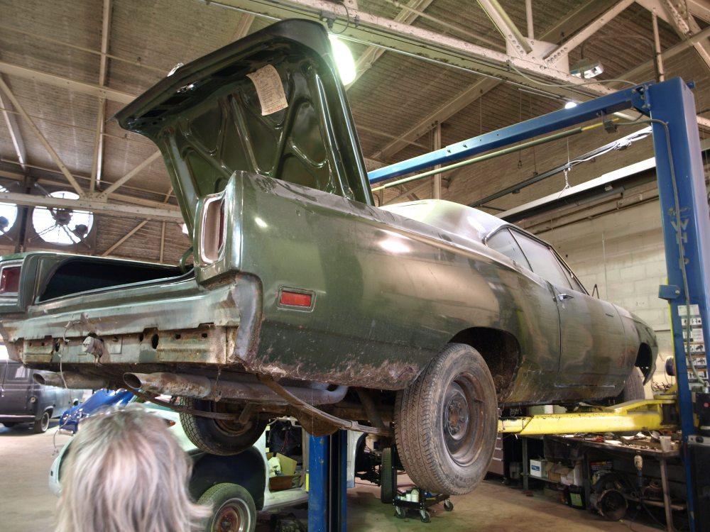 medium resolution of 1969 plymouth roadrunner 1969 plymouth roadrunner