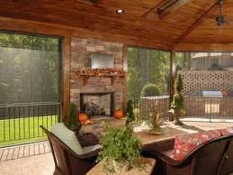 This picture shows a nice patio that is surrounded by solar sun screens. We serve Colorado Springs, Fort Collins and Denver.