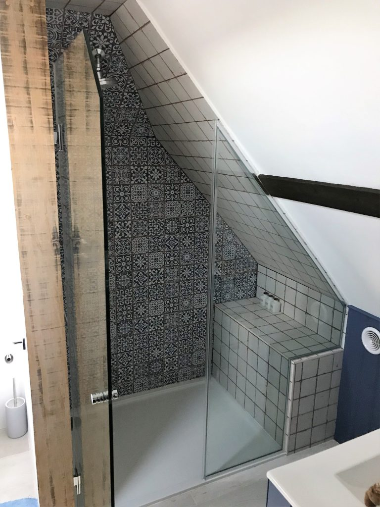 Shaped Shower Screen