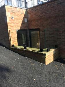 Spigot fixed glass balustrade