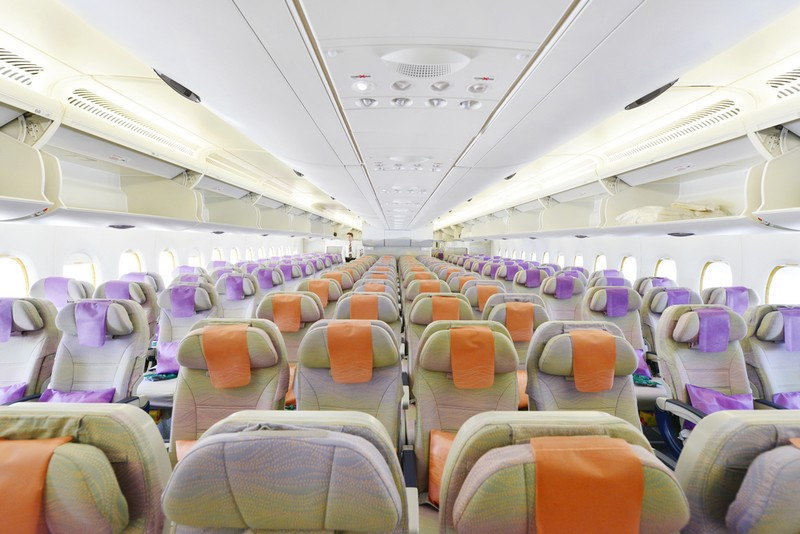 como é voar com a emirates para a tailândia