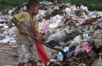 little+boy+work+garbage