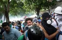 Protesters in La Castellana, a neighborhood in eastern Caracas. Photo: Helena Carplo/IRIN News