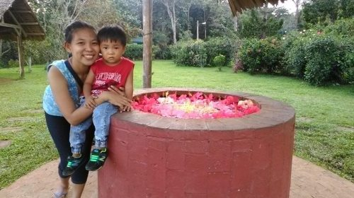 Geming Andrea Alonzo with her son Damian. (Photo from Geming Alonzo's Facebook page)