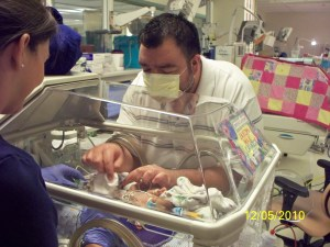 """A NICU Dad Says, """"It's Okay to Have Feelings"""""""