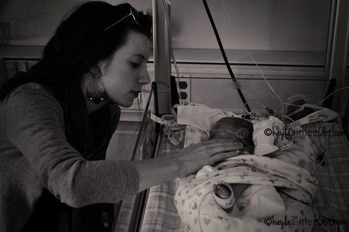 Kayla Aimee - 25 Weeks