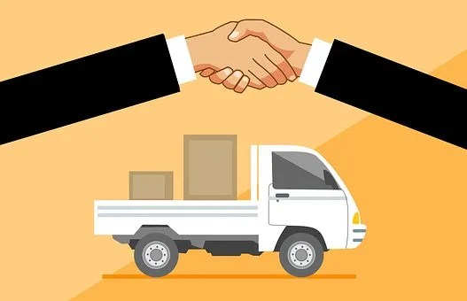 Men shaking hands for the best moving deal