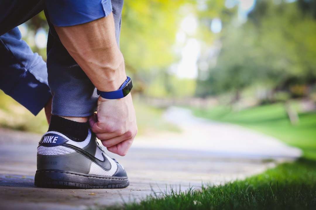 getting-ready-to-run-with-blue-shoes-for-fitness-watch-photographer-for-optimized-imagery-examples