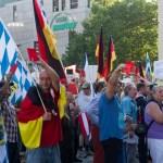 Pegida-Muenchen-mit-Lutz-Bachmann-20-Juli-2015-17