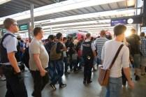 refugees-welcome-in-münchen-flüchtlinge-im-Hauptbahnhof01