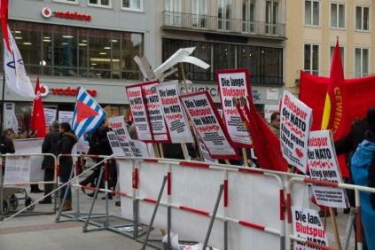 Demonstration_gegen_Muenchner_Sicherheitskonferenz_siko_56