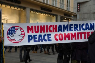 Demonstration_gegen_Muenchner_Sicherheitskonferenz_siko_59