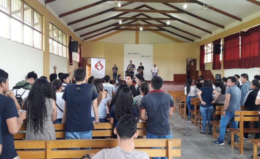 Universitarios participan de jornada espiritual
