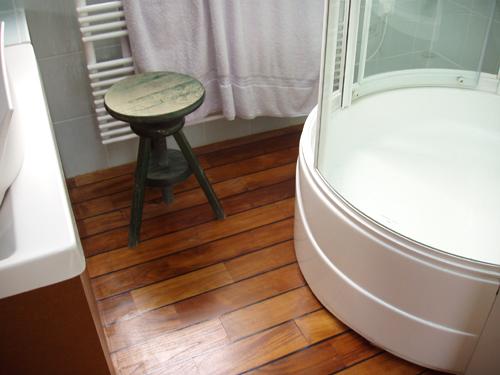 Premibel vous guide dans l achat de vos parquets pour salle de bain