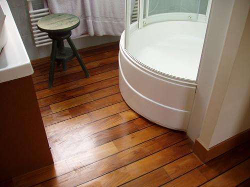 parquet teck flottant teck exterieur plancher teck paris pont de bateau salle de bain
