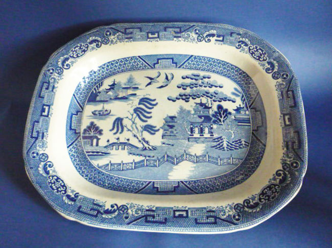 Fine Early Victorian Willow Pattern Meat Plate c1840
