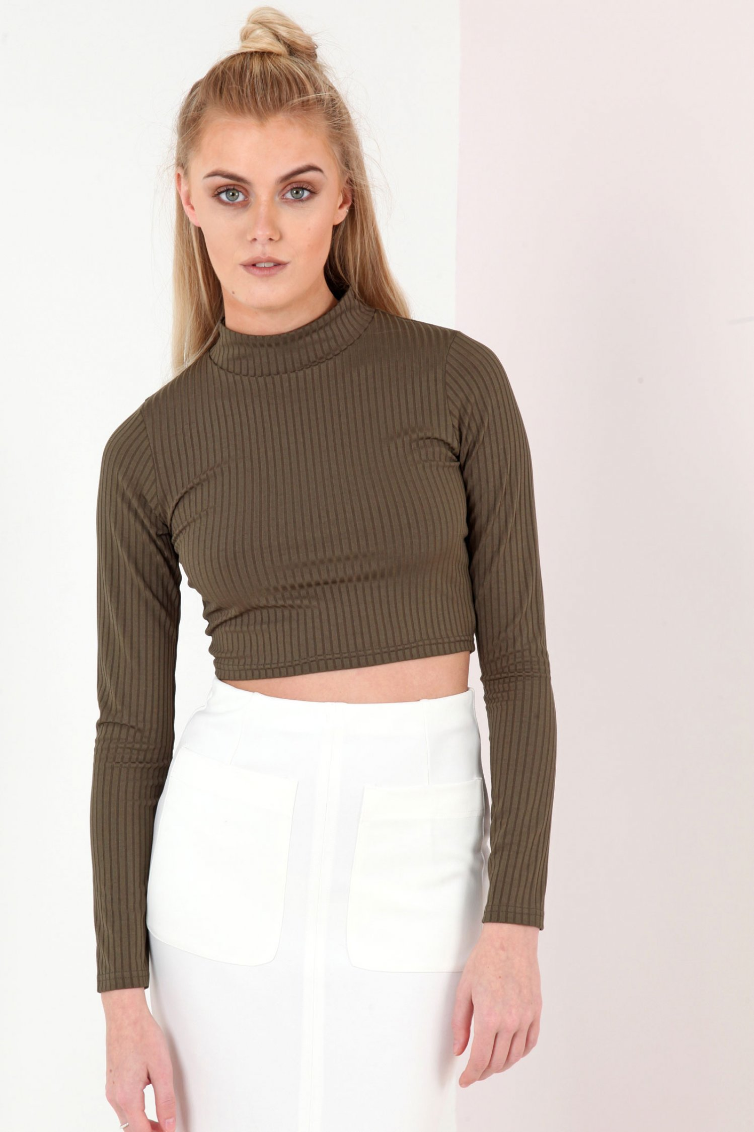 Long sleeve turtle neck ribbed crop top khaki