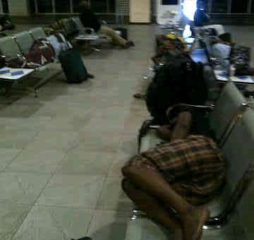 Air Nigeria mistreats passengers, leaves them sleeping on metal chairs overnight