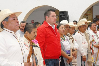 Las-tradiciones-de-los-pueblos-indgenas-reafirman-nuestra-identidad-frente-al-mundo-Ral-Domnguez-Rex