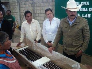 Respaldan-con-la-entrega-de-calentadores-solares-a-familias-de-Ocoyotepec-Centro-1