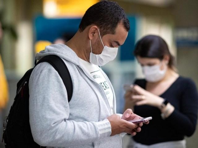 El enfermo, portando un cubrebocas, explicó que llegó a las 6:45 de la mañana al INER y antes de las 8:00 horas, ya lo habían invitado a salir, descartando la posibilidad del coronavirus.