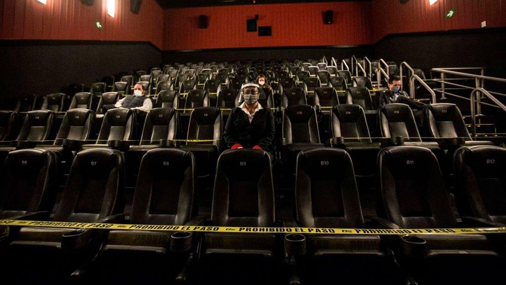 Cines abren al 30%, pero sólo venden el 3% en comparación con el 2019