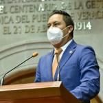 Insumos suficientes y compensación adicional para el personal de salud, propone el PAN