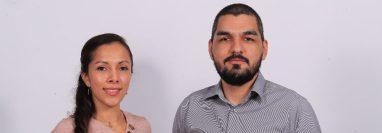 Los esposos Fuentes continúan investigando nuevas aplicaciones para el uso de la calcomanía antibacterial y así validar con más fuentes científicas sus propiedades. (Foto Prensa Libre: Juan Diego González)