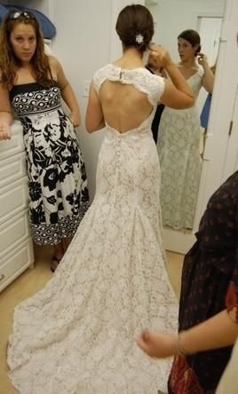 Inspired Gowns Monique Lhuillier Scarlet 1350 Size 10  New UnAltered Wedding Dresses