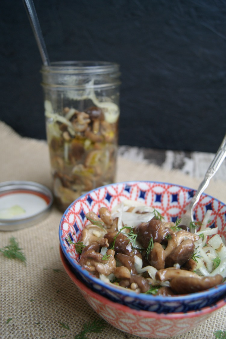 Marinated Mushroom Salad packed with nutrients and tossed with olive oil and enzyme-rich apple cider vinegar for more health benefits. This salad can be made up to week in advance.