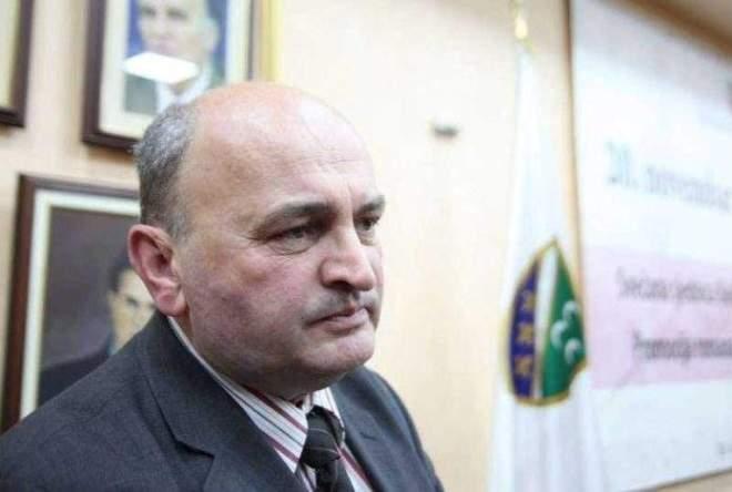esad-rahic-3-696x469[18019].jpg - Bošnjaci u Srbiji će kroz popis stanovništva poboljšati svoj položaj