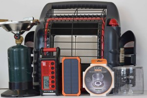 What Should Be in Emergency Kit- Power Outage Kit Picture