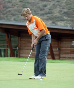 Brighton High golfer Ian VanLeeuwen. (Photo by Kurt Johnson)