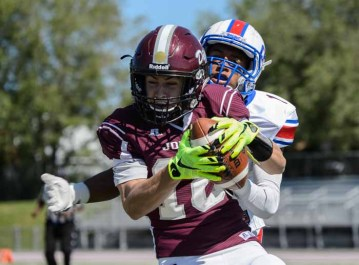 Spencer Curtis is as sure a thing as there is at receiver in the state. (Photo by Dave Argyle, dbaphotography.com)