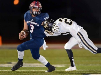 Herriman defensive back Noah Vaea is a big playmaker for the Mustangs. (Photo by Dave Argyle, dbaphotography.com)